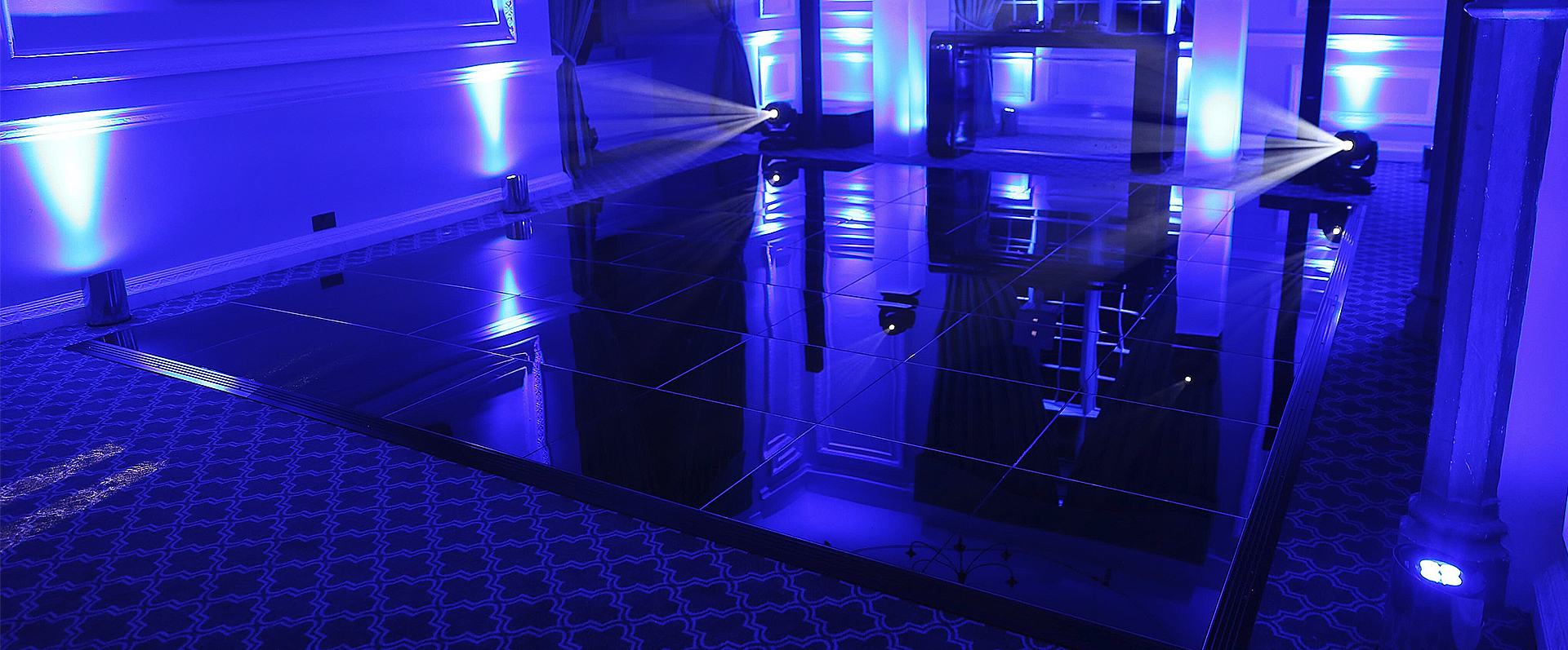 Nightlok is a black acrylic dance floor recommended for pubs and disco clubs
