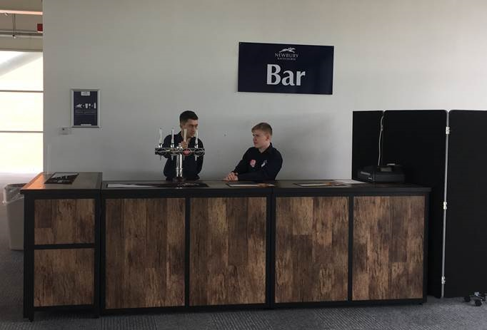 Barlok Basic Bar in Bracken - Newbury Racecourse
