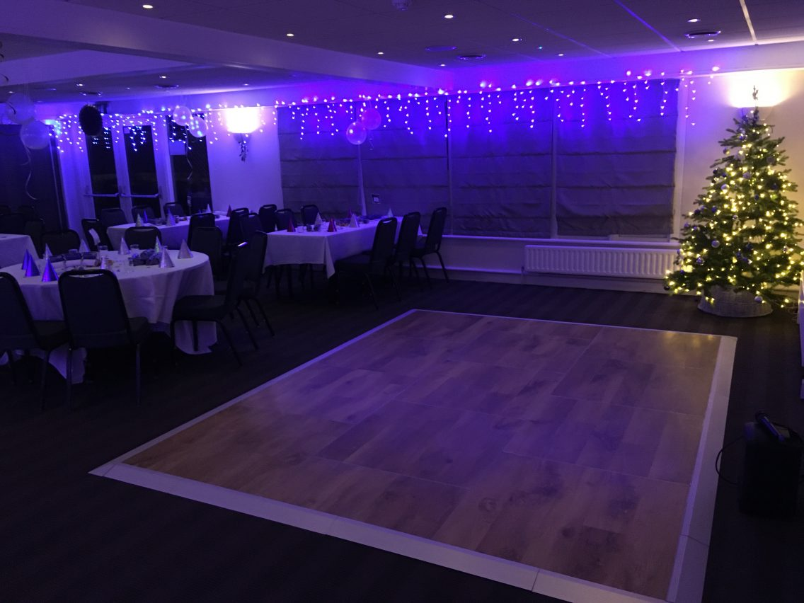Multilok Auckland Oak Portable Dance Floor - Hoebridge Golf Club