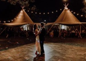 Portable dance floors for MARQUEE, TIPIS AND STRETCH TENTS